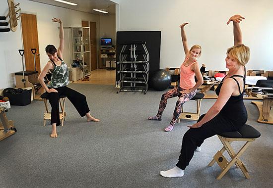 Gyrokinesiksen harjoittelua